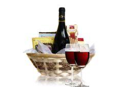 Сирене и вино – кошница с перфектния подарък