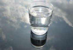 Вода. Защо е важно да я пием?